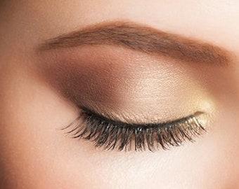 Palette 10 iridescent beige brown nude eyeshadows