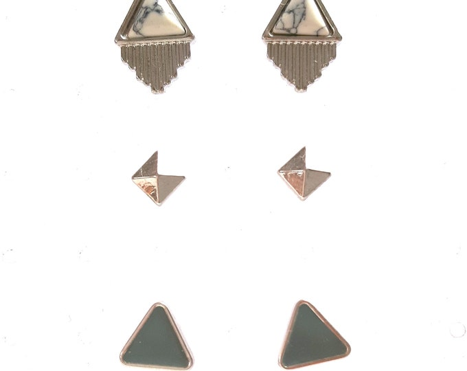 Lot 3 pairs of art deco woman ear chips
