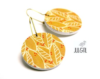 Sleepers wood graphic leaves, mustard yellow and red, raw brass hooks
