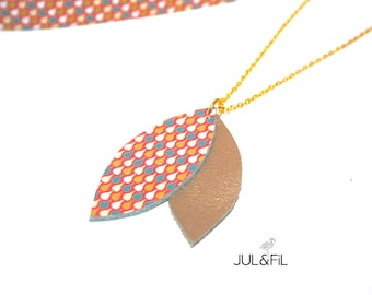 Necklace leather and plated 18 k gold, pearly gold leather shuttles and taupe print Japanese drops graphics