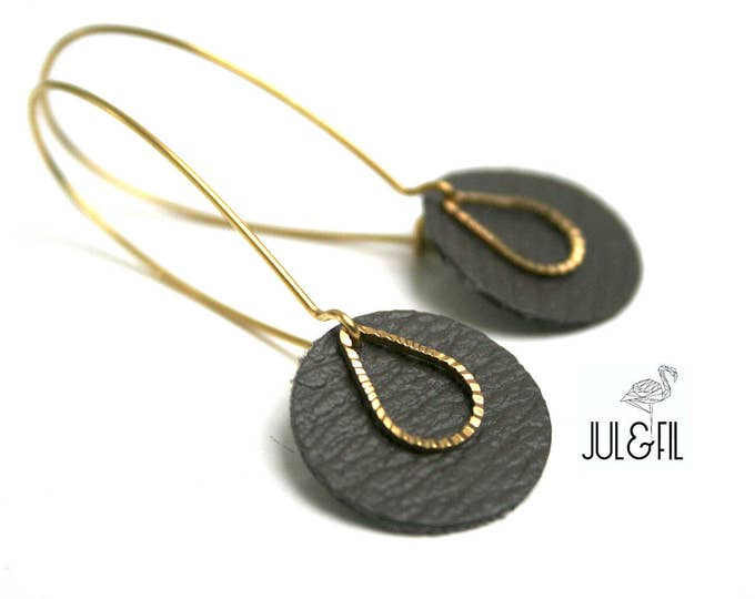 Taupe leather earrings, drop striated brass