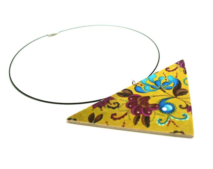 Wood and fabric geometric plastron necklace