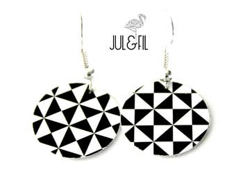 Geometric triangles earrings, black and white