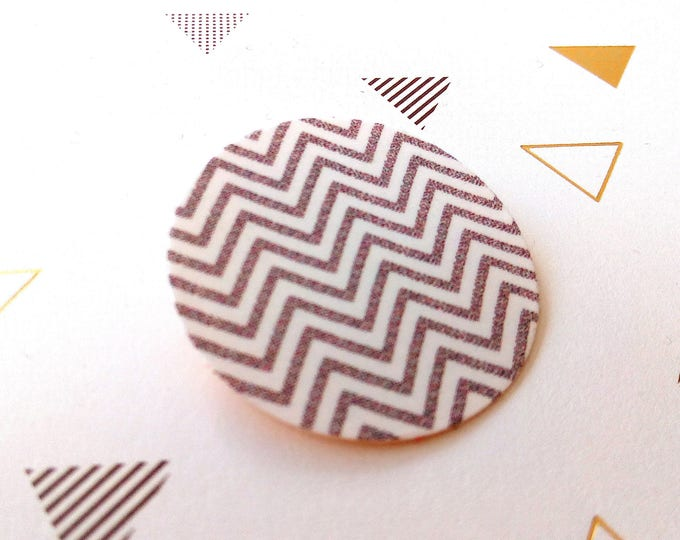Brooch round geometric Chevron pattern on linen canvas