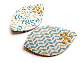 Pair of leather leaves floral, polka dots gold