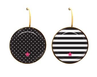 Sleeper cabochon dissociated polka dots stripes