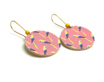 Sleepers wooden Scandinavian urban minimalist jungle parrots, natural wood, brass, yellow bead