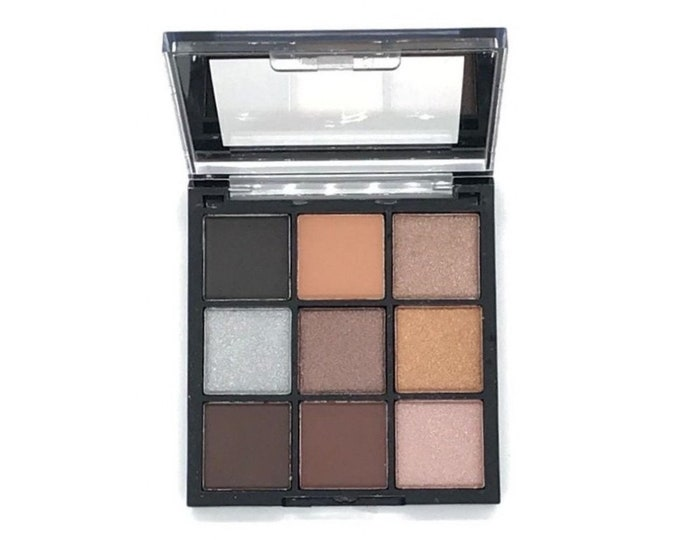 Palette 9 nude shades shades brown grey, matte and shiny 24K Diamonds
