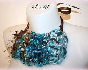 "DESTOCKAGE Collier de création plastron ""Mer du Sud"" crochet free-form"