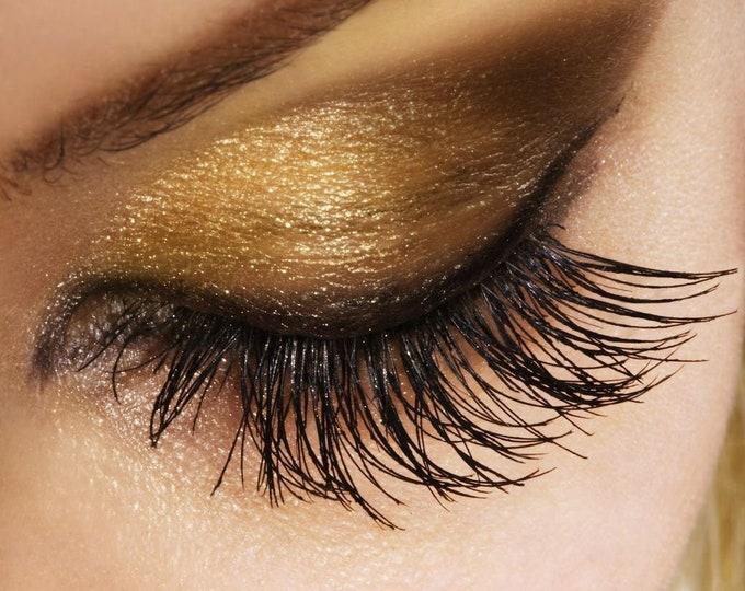 Black volume mascara with Argan oil