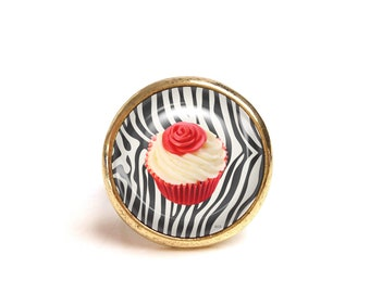 JUL and FIL ring cup cake zebra