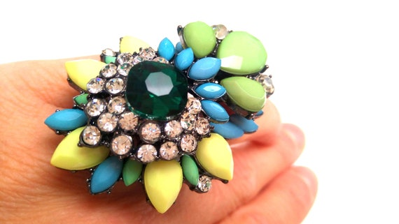 Ring floral rhinestone and set stones fancy high-end yellow green blue