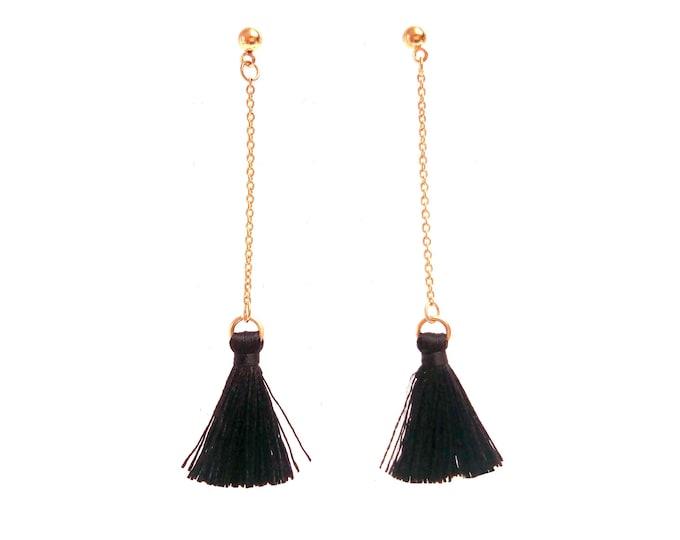 Black pom-pom pendant rings