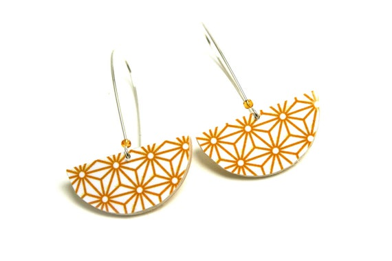 Earrings yellow curry Asanoha leather geometric Japanese stars, half round