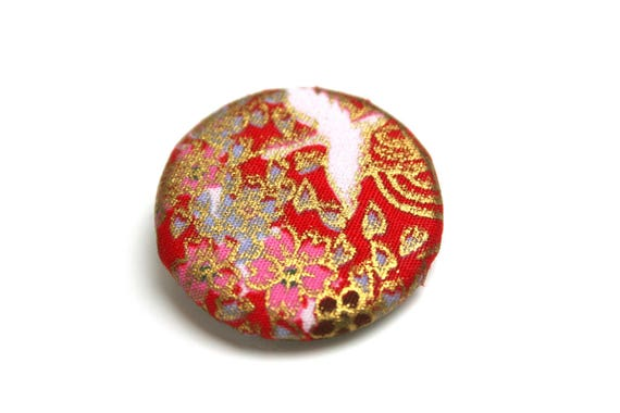 Japanese fabric brooch with precious red gold Japanese cranes