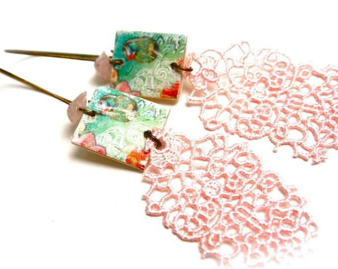 Romantic earrings wooden lace quartz