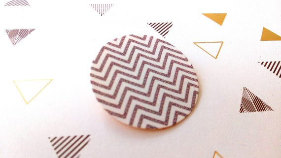 Brooch round geometric Chevron pattern on linen canvas