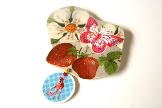 Large bunch of strawberries, Fawn, Bohemian Butterfly brooch