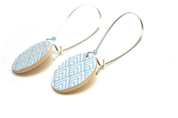 Sleepers wooden Scandinavian Chevron pastel blue powder minimalist, natural wood, large hooks, pastel pearls