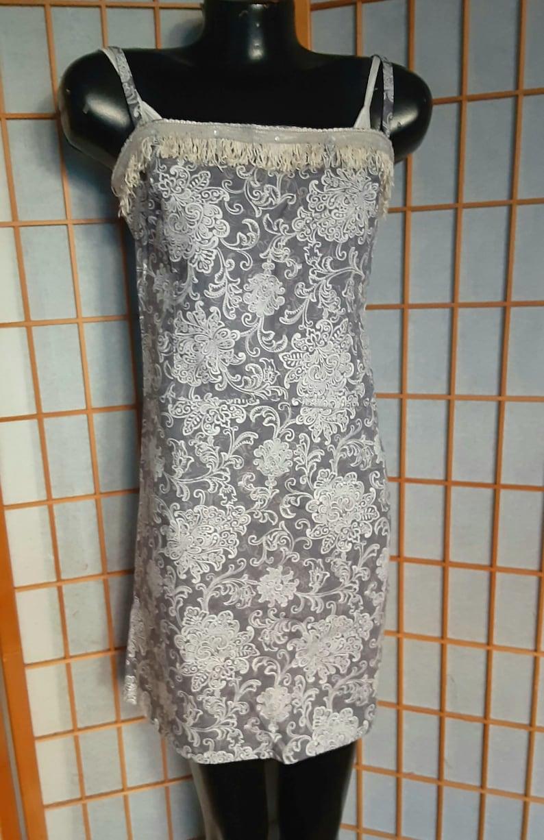 Size Small Gray Floral Print /& Fringe Flapper Dress