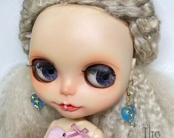 Blythe blue heart earring