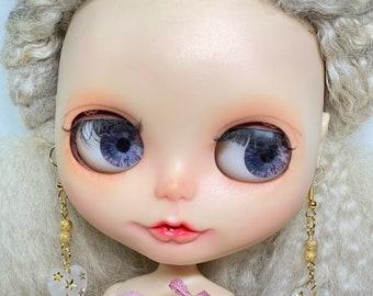 Blythe white heart earring