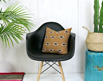 Sienna Brown Linen Pillow Cover with Black and White Triangle Print // Block Printed Taupe Camel Decorative Throw Cushion Mudcloth Accent