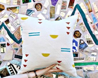 Cream Block Printed Linen Pillow Cover // Teal Mustard Yellow Terracotta Maroon Blue Turquoise Southwetern Desert Print Triangle Design Suns