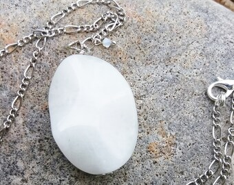 Pendant necklace white agate and swarovski, semi-precious stone necklace, bridal jewelry, mom gift, anniversary, handmade, ooak, nickel free