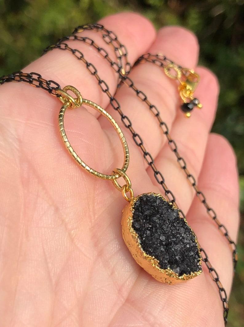 Austrian Crystals 26 Black /& Gold Diamond Cut Chain Necklace Gunmetal Spheres Minimalist. 18k Gold Electroplated Black Druzy Agate