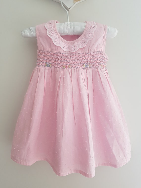 Beautiful baby pink spot voile hand smocked and embroidered dress size 3 6 months