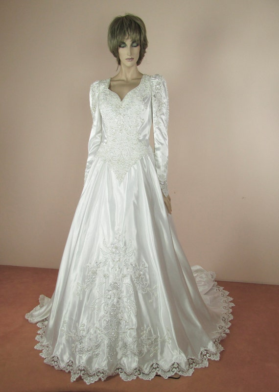 White Wedding Dress 80s Vintage Bridal Gown From 1980s Etsy