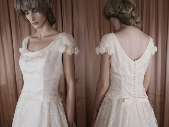 1950 S Chantilly Lace Wedding Dress Etsy