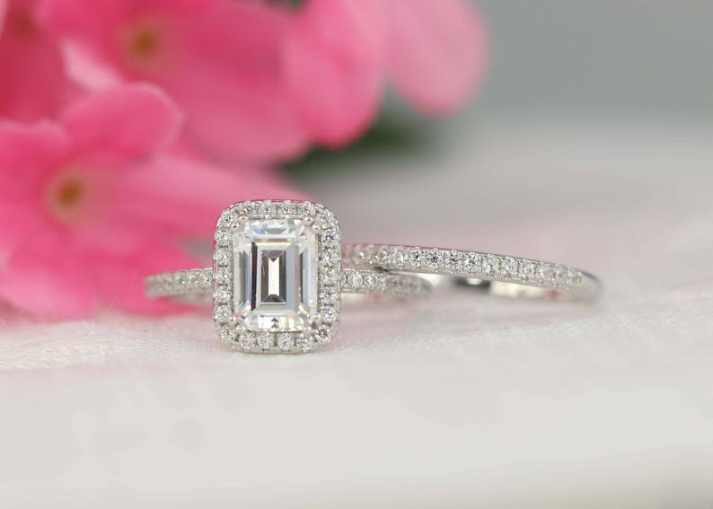 Wedding Ring Set Engagement Ring Set Emerald Bridal Set image 0