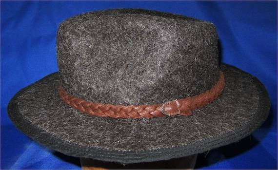 Fantastic! 6 Felted Llama Fiber Frosted Black Small Adult Fedora Style Hat