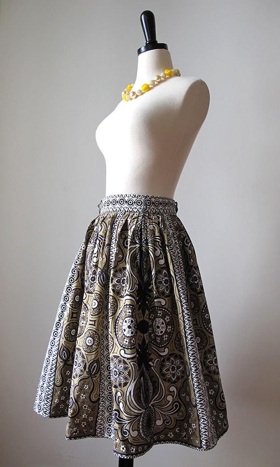 1950s tiki skirt • 50s  Polynesian novelty print … - image 3