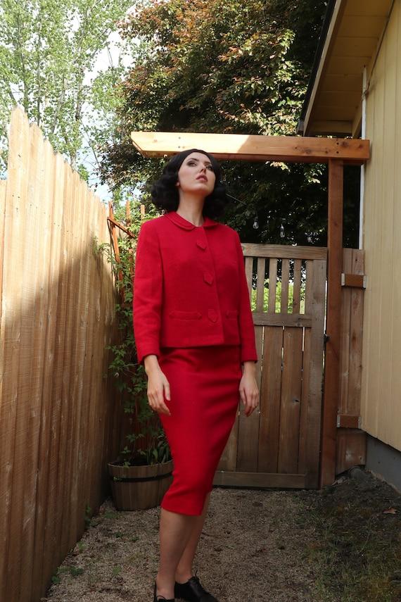 SALE | 1960s Business Suit | retro mod suit hot pi