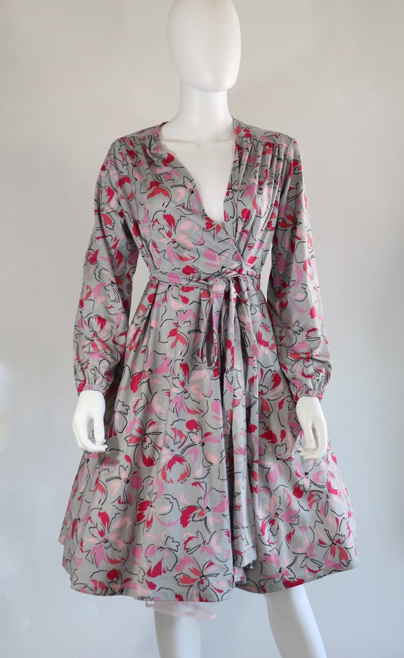 SALE | 1970s Novelty Grey Wrap Dress | bohemian bo