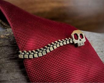 Backbone Skull Tie clip.
