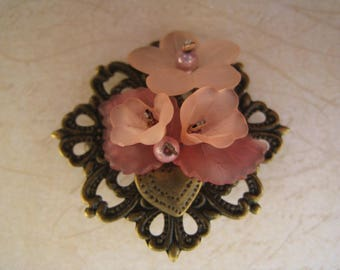 Retro romantic brooch pink flowers and leaves