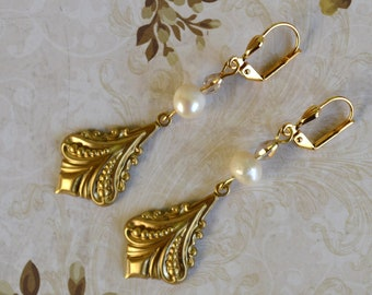 Earrings art nouveau gold & white pearls freshwater pearls