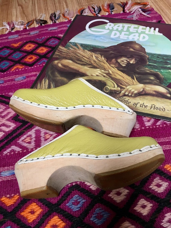 4d077b32e8ed5 Vintage Childrens Womens Clogs Lime Green leaather with wooden heel Clogs  with Heels Womens Clogs Vintage retro european size 32 US size 1