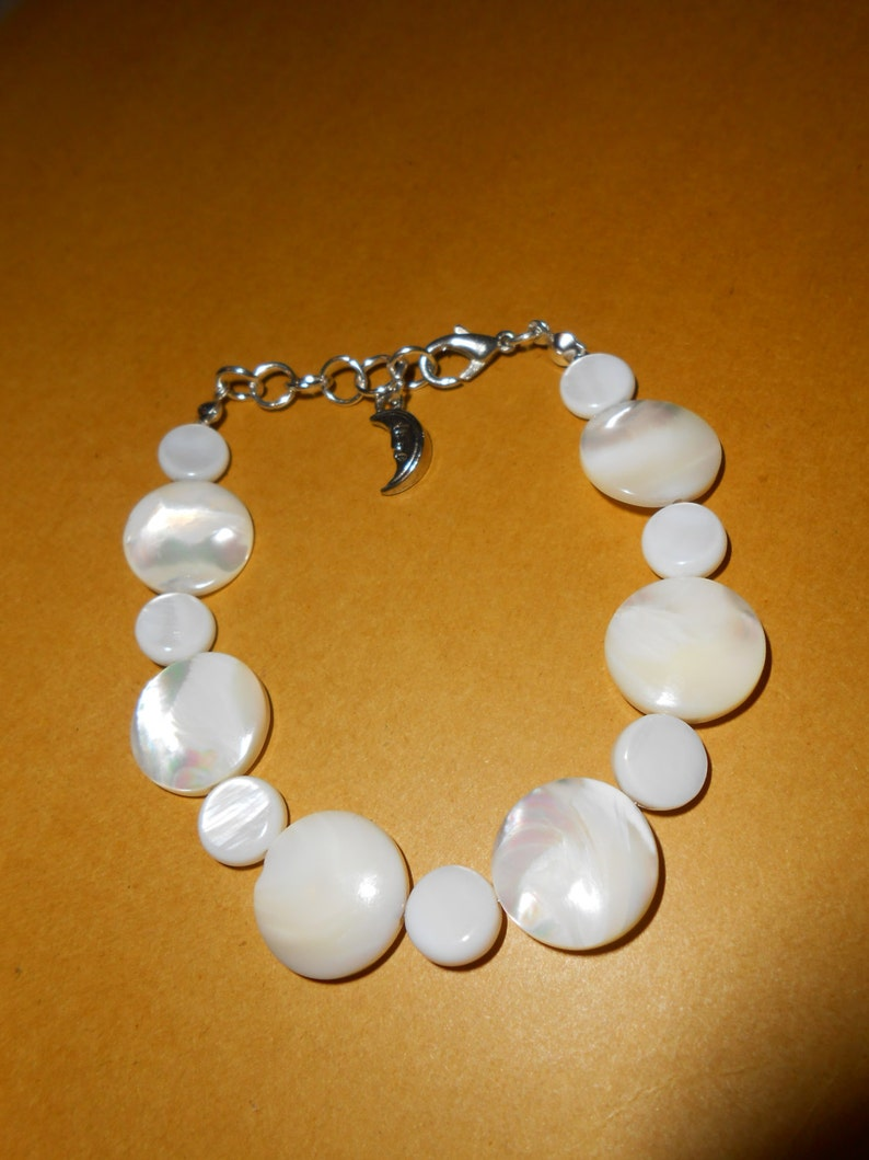 set of Mother of Pearl bracelet and pendant jewellery white cream beads charms jewelry pendant present for woman Valentine/'s gif for her UK
