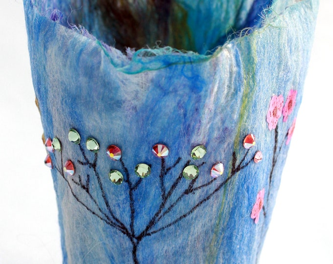 Tealight Holder (TLH11) with hand felted fibres & crystals