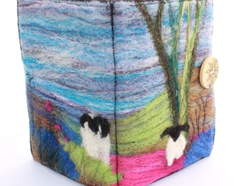 Handmade felted Sewing Wallet (sewp3)
