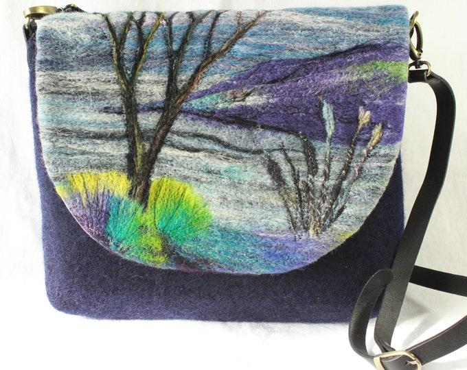 Handmade felted shoulder bag (river)
