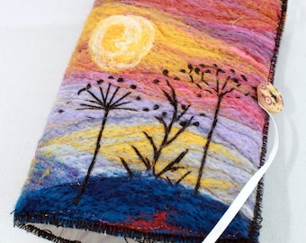 Handmade felted Sewing Wallet (sewp2)