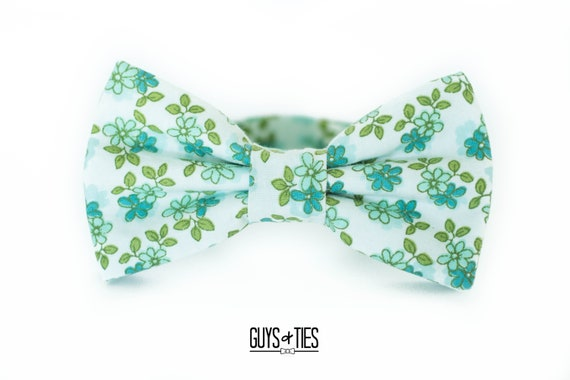 Bow Tie Red and Green Pre-Tied Adjustable Colors of Cinco de Mayo and Christmas