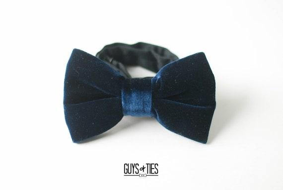 New in box formal men/'s pre tied Bow tie /& Hankie Velvet Silver Gray
