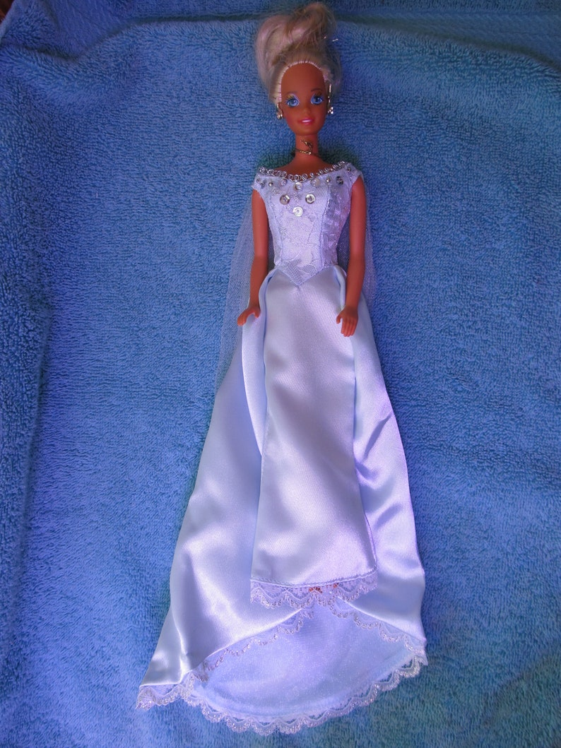 df71e202fe Vintage 1999 Barbie Wedding Gown-Marlena Evans-Days of Our